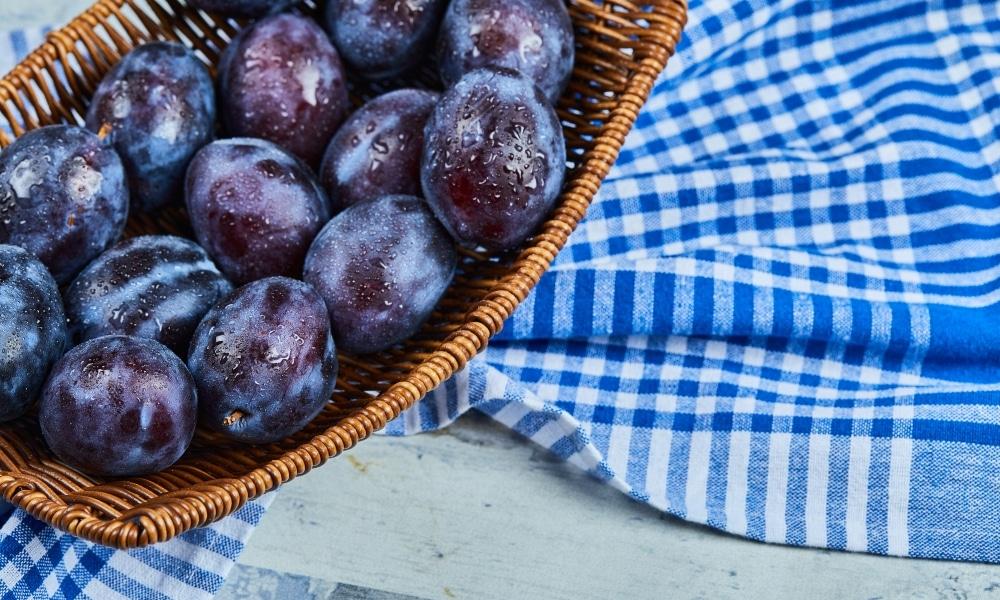 Prunele ingrasa sau slabesc?